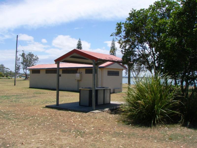 Commemoration Park, Ballina BBQ's
