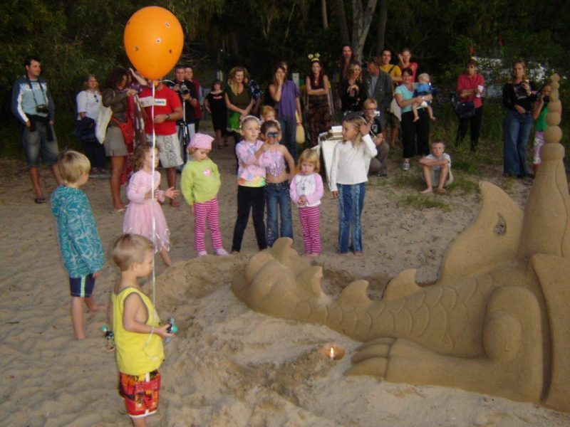 Sandology - Kids Birthday Party Sand Sculpture