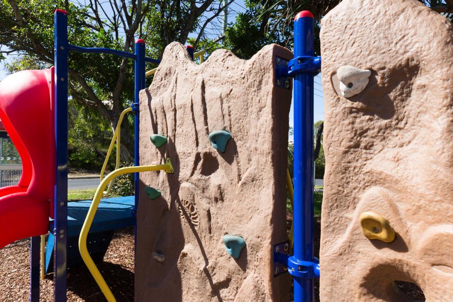 Clarkes Beach Playground - Climbing Wall