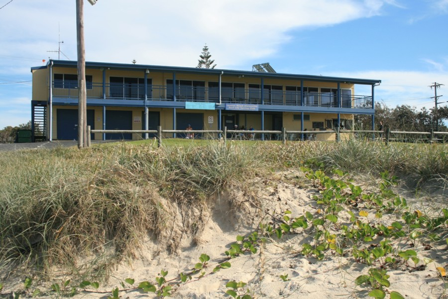 Lennox Head beach - Surf Life Saving Club